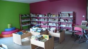 La bibliothèque de Nâves est OUVERTE!
